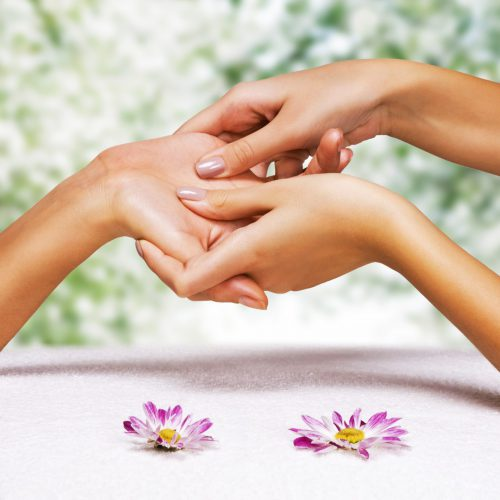 element-coolum-beach-hand-massage-1