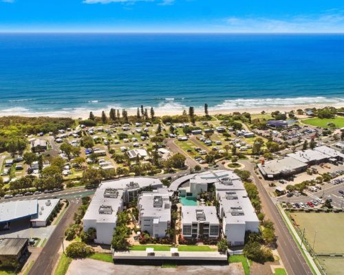 element-on-coolum-beach-38