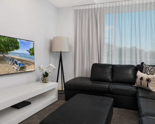 unit-4313-1-2-bed-pool-view-4